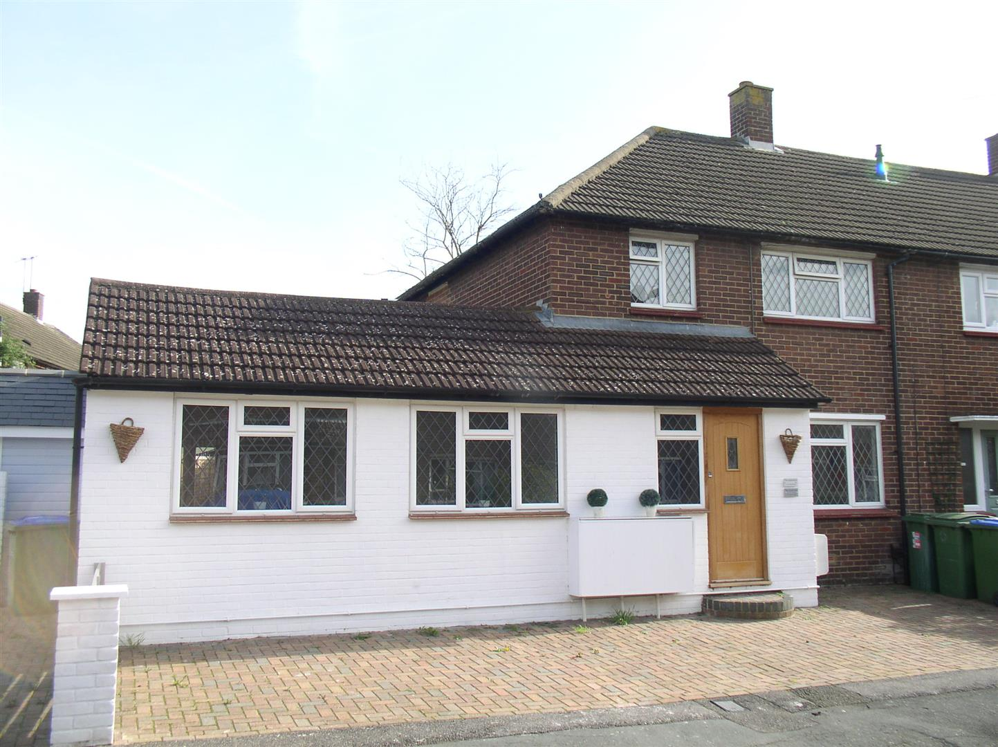 2 Bedrooms House for sale in Carlton Road, Walton-On-Thames
